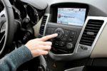 ¿Por qué bajamos el volumen de la radio para aparcar?