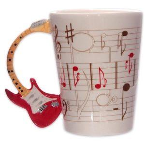 taza con notas musicales